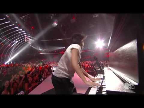 Lady Gaga - You and I [Live @ MTV VMA'11] HQ