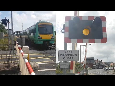 *Long Closure* Hampden Park Level Crossing, East Sussex (27/07/2017)