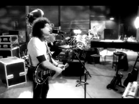 Queen - No One But You ( Brian May/Roger Taylor)
