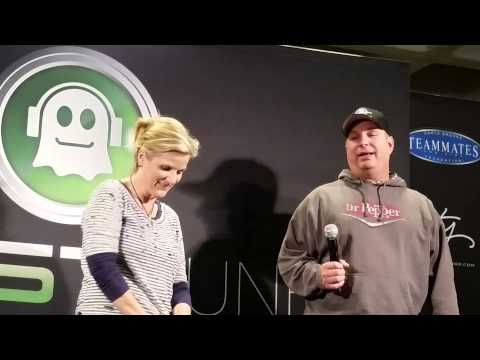 Garth & Trisha Press Conference - Minneapolis