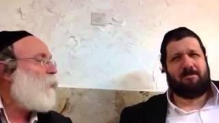 הגבאי הטיפש של הרבי הבית ישראל מגור עשה בושות ולא הכניס את רבי ישראל יצחק רייזסמן