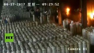 Explotan unos cilindros de gas en una nave industrial en China