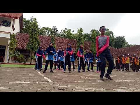 Temon holic 8b, SMP N 2 Banjarharjo