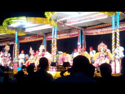 Yakshagana-Mandarthi 5 meladinda Drawpadi karna tirskara