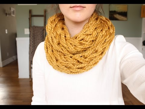 How to Arm Knit a Scarf in 30 Minutes with Simply Maggie
