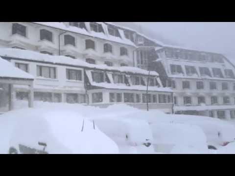 NEVE COPIOSA in Val di Luce - Abetone - Toscana. ATTENZIONE alle valanghe e alla neve che...