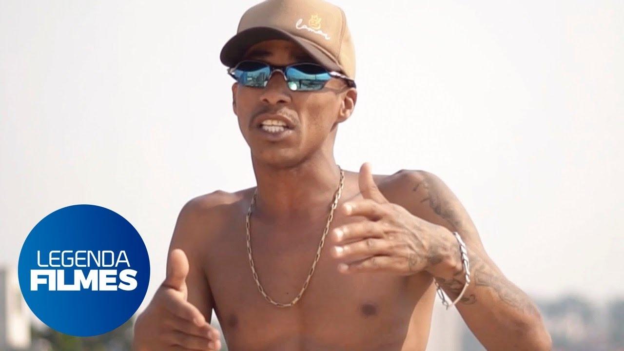MC Rafinha DL - NAS MÃOS DE DEUS (Videoclipe Oficial)