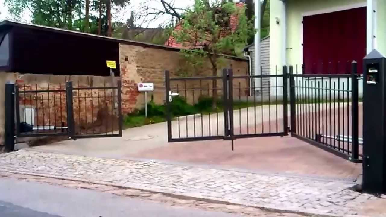 2. Falttore: Doppel-Falt-Flügel Und Falt-Flügel Mit Schlupf-Tür