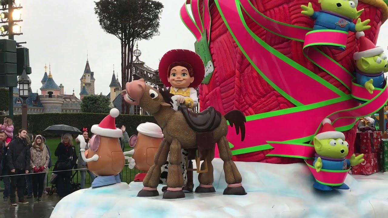 reportage disneyland noel 2018 La Parade de Noël Disney   10 novembre 2017   YouTube reportage disneyland noel 2018