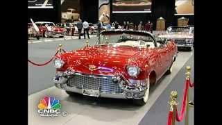 السيارات التاريخية تتألق في معرض دبي للسيارات 2015