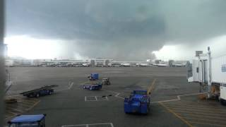 2014.05.21 - Tornado at Denver Int airport