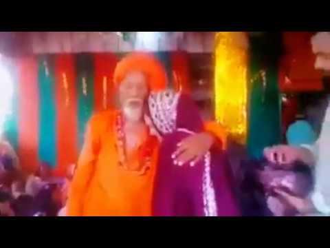 Fake peer Baba Romance With Girl -swag