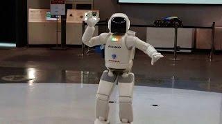 Робот Асимо, Умеет Танцевать