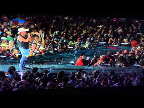 Kenny Chesney-There Goes My Life-Live