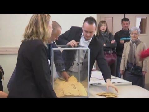 France's next leader: centrist Macron vs. far-right Le Pen