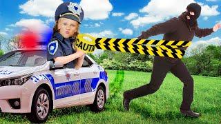 Полицейская Ястася на автомобиле ловит воришку, укравшего и сломавшего колесо