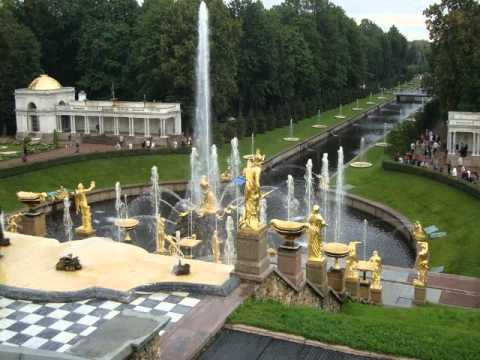 PALACIO DE PETERHOF. San Petersburgo Rusia.