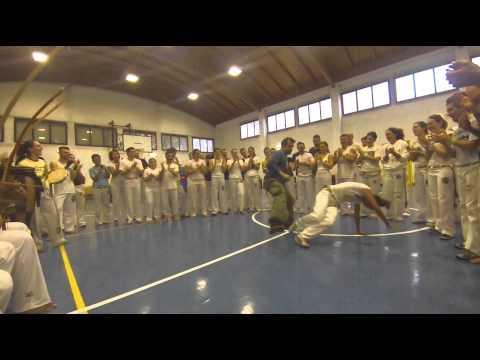 Jogando Capoeira Festival