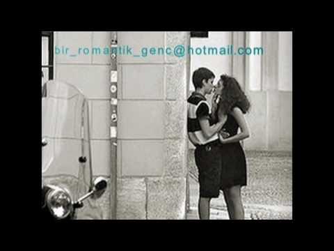 Çok Romantik Şarkı ( SÜPER ÖTESİ BİR ŞEY )