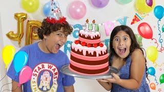 Maria Clara faz uma surpresa para o aniversário do JP - Maria Clara surprises JP's birthday