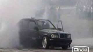 Mercedes Benz 190 Drifting
