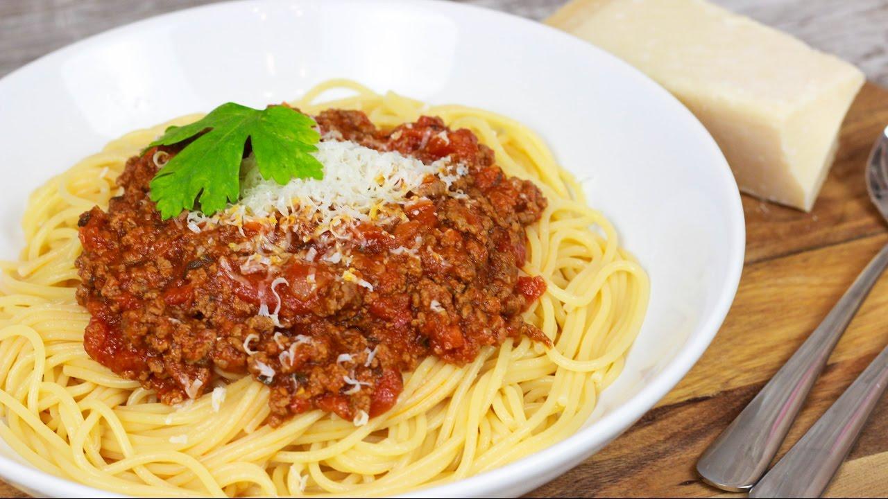 bestes spaghetti bolognese rezept bolognese sauce selber machen youtube. Black Bedroom Furniture Sets. Home Design Ideas