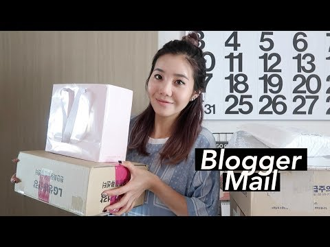 Massive K-Beauty Blogger Mail Unboxing | Back in Seoul!