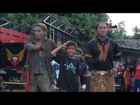 A bloody Zombie show from Indonesia - Singa Barong