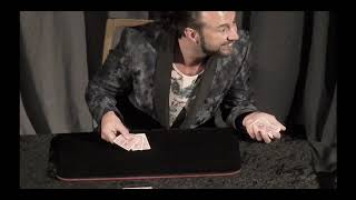 Sean Heydon Close Up Magic Show