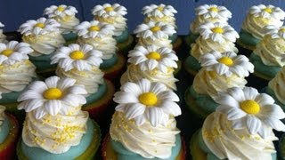 Making Daisy Soap Cupcakes