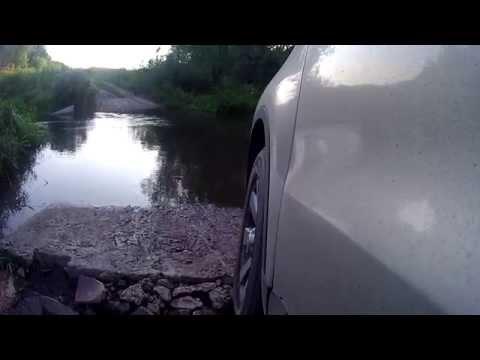 VW Tiguan и беспонтовый брод