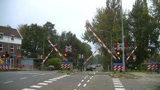 Video Spoorwegovergang Kropswolde // Dutch railroad crossing download MP3, 3GP, MP4, WEBM, AVI, FLV Oktober 2018