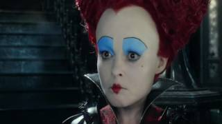 Alice Through The Looking Glass (2016) White Queen hugs Red Queen