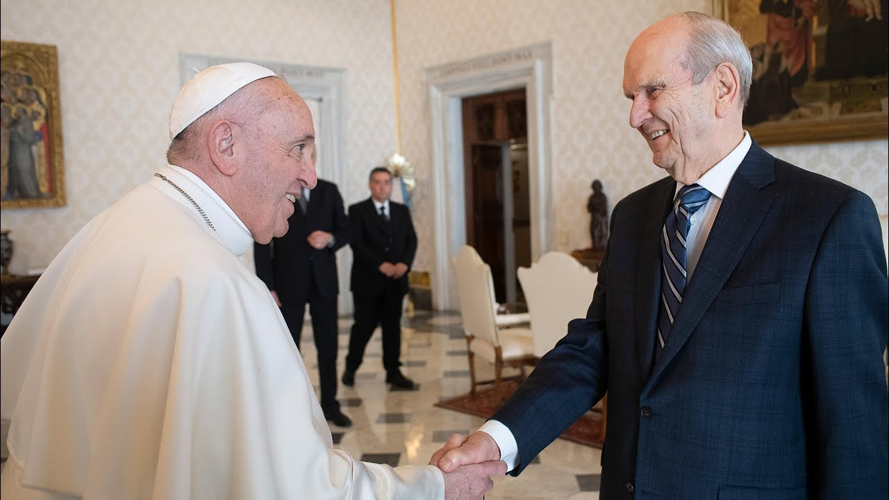 President Nelson Meets with Pope Francis in the Vatican