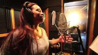 amazing vocalist shocks a group of musicians in the studio