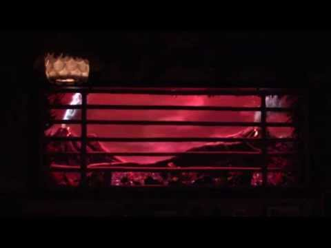 trader-sam's-grog-grotto,-polynesian-village-resort---krakatoa-punch-volcano-effect