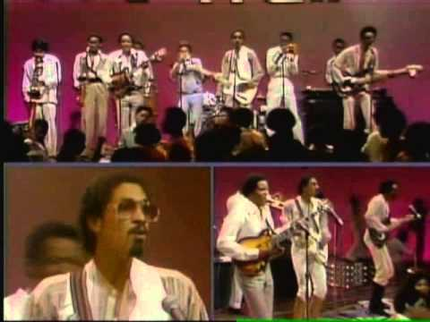 Best of Soul Train Ep  264 The Brothers Johnson, The Dells 08 78