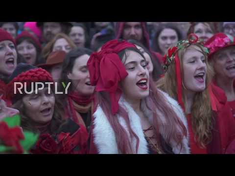 UK: Pagans welcome winter solstice at Stonehenge