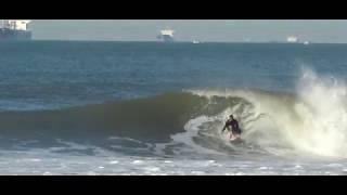 Luiz Diniz - Surfing in Guarujá