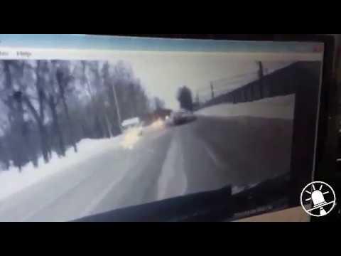 Серьезное ДТП с пострадавшими на ул. Первомайская в Новосибирске 26.11.2016