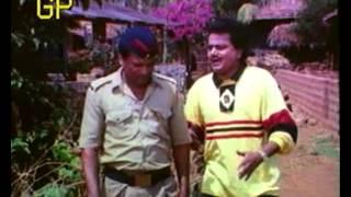 Taichya Bangdya - Alka Athalye, Satish Pulekar | Superhit Marathi Film