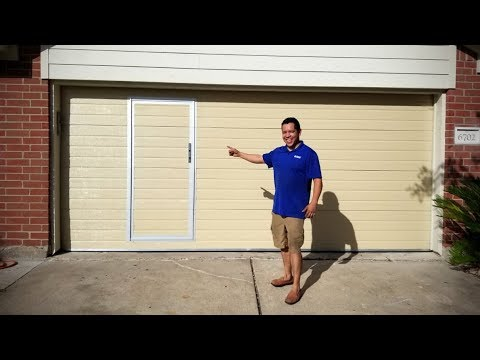 Puerta De Garage Con Acceso Peatonal Garage Door With A Pass Pedestrian Door Youtube
