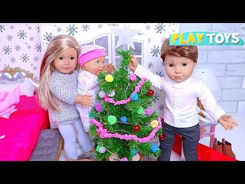 Baby Doll Christmas Tree Decoration in doll bedroom!...