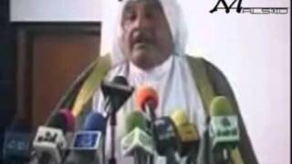 شاعر عراقي يُهزئ محافظ الناصرية وجهاً لوجه ..
