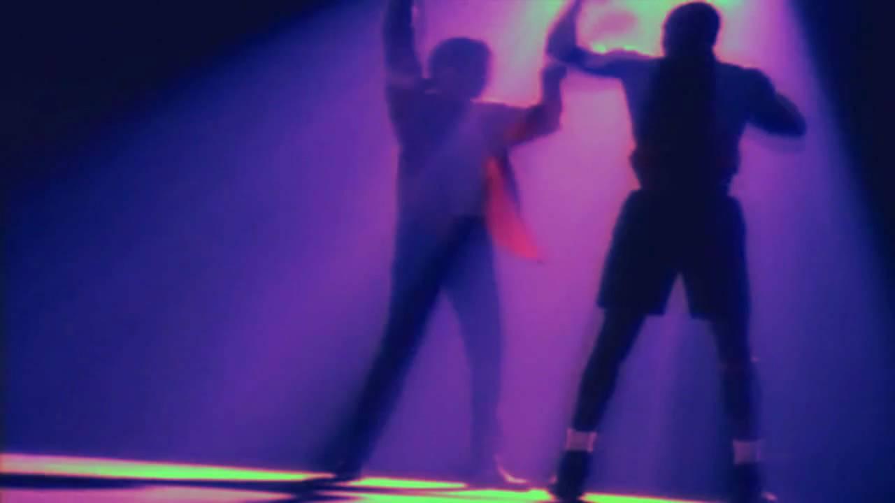pretty nice 8ac3d eac4a JAM - Michael Jackson shows Michael Jordan how to dance!