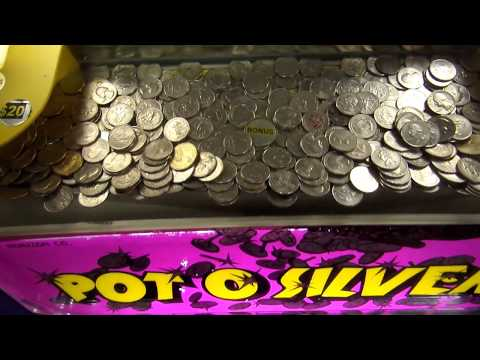 Coin Pusher Hack - Coin Caught on a Lip! | Coin Pusher | Matt3756