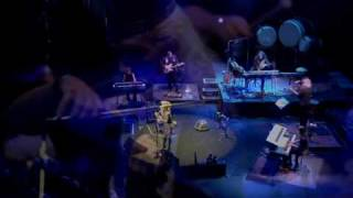 2009年9月26日張靚穎在日本喜多郎音樂會上演唱印象西湖雨.
