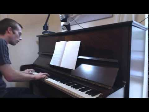 how to play rocky theme on piano