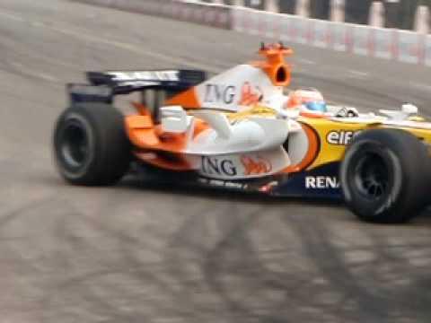 Ranault F1 at Rajpath (India Gate) New Delhi - 2