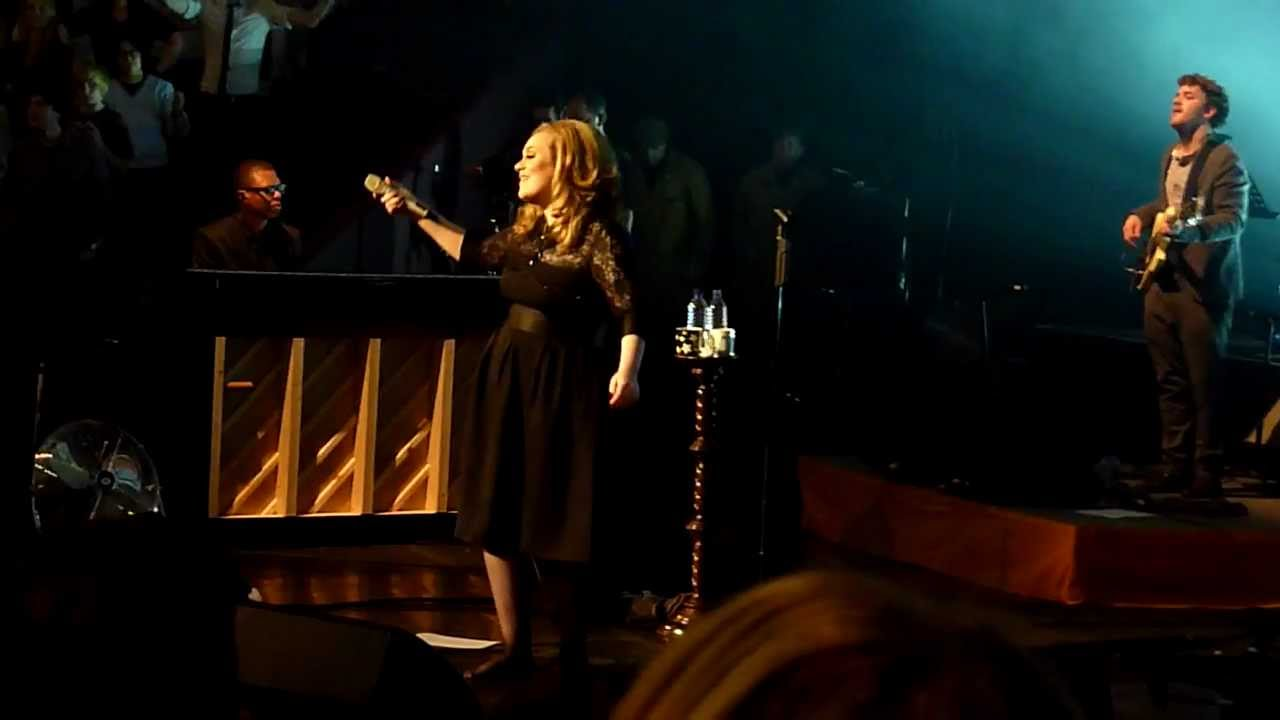 Download Adele - Rolling In The Deep live in Royal Albert Hall 22-09-2011 Finale
